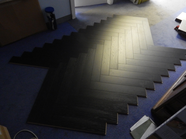 Herringbone 12mm Laminate Flooring Textured Oak Walnut Black Grey